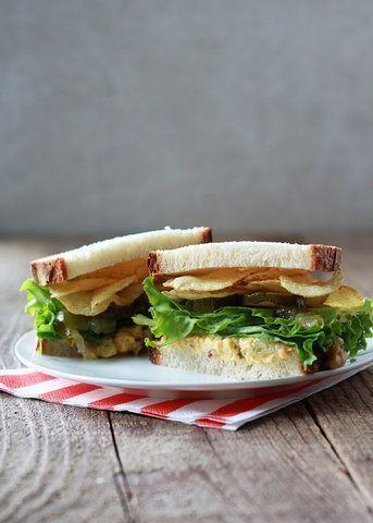 Sanduíches de grão de bico e batata frita