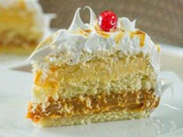 Pão de bolo com abacaxi e doce de leite