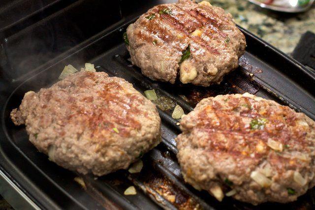 Hambúrguer de pernil caseiro