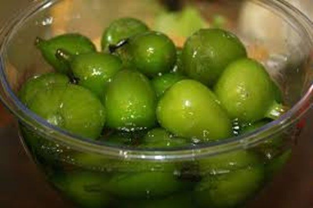 Doces de figos em calda