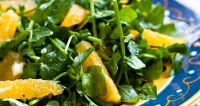 Salada de agrião com damasco